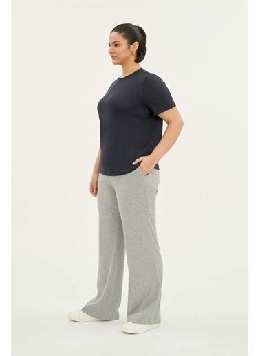 Luokk Bradley Rahat Kesim Kadın Basic T-Shirt Lacivert